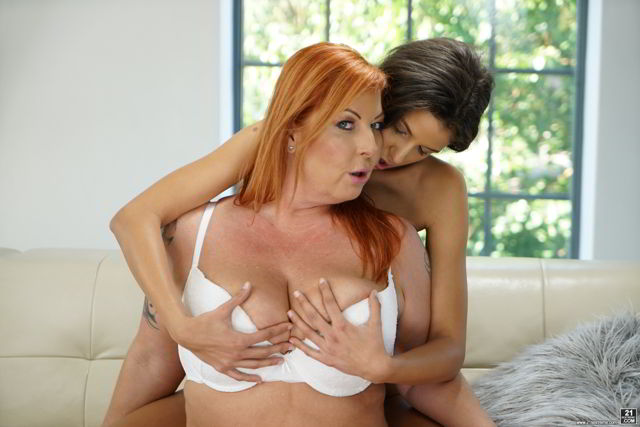 Tammy Jean, Bunny Love - Loving Older Women - OldYoungLesbianLove Ultra HD video