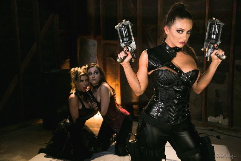 Abigail Mac, Georgia Jones, Alexis Fawx - Fantasy Factory: Wastelands (Episode 1) - girlsway discount