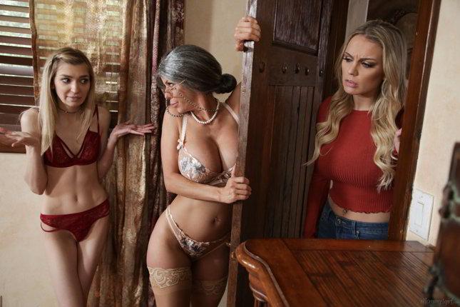 Alexis Fawx, Mackenzie Moss - Mrs. Doubtfucker: A Mrs. Doubtfire Parody - girlsway lesbian porn parodies
