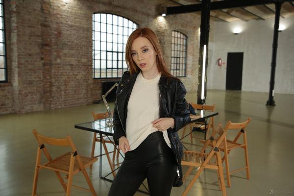 Lottie Magne - Sweet Surprise - 21Naturals video online