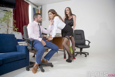 Hilly Kiss Penelope Cum