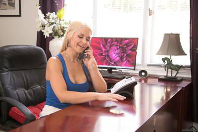 Sarah Vandella - Daddy's Calling