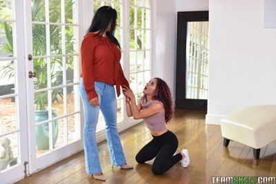 Liv Revamped and Simone Garza - Live In Sex Toy - lesbian molester video