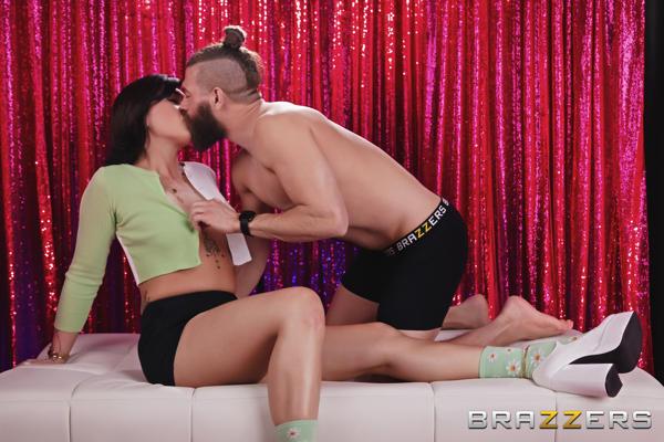 Daisy Taylor - Dating Daisy - brazzers FullHD video