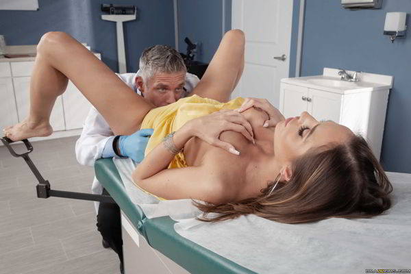 Desiree Dulce - Clitical Check Up - Brazzers HD video