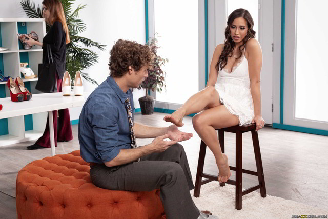 Desiree Dulce - Feet First - brazzers promo price