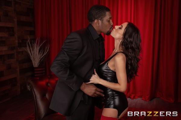 Aubree Valentine - Aubree's On The List - brazzers HD cideo
