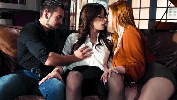 Lauren Phillips, Casey Kisses - Menage A Trans #07 - Casey Kisses - adulttime discount