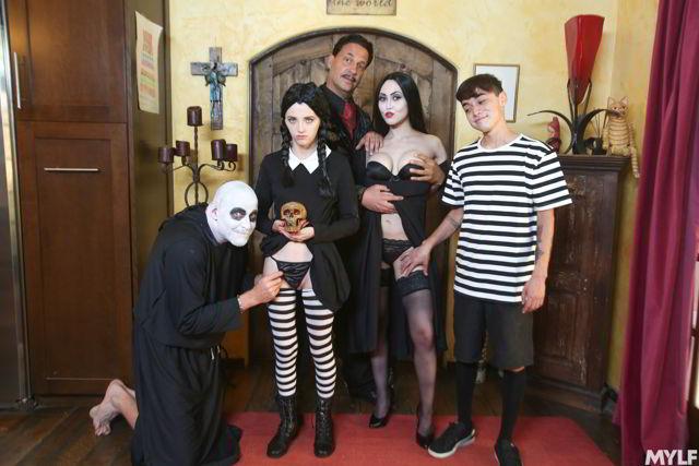Kate Bloom, Audrey Noir - Addams Family Orgy - MYLF porn parody