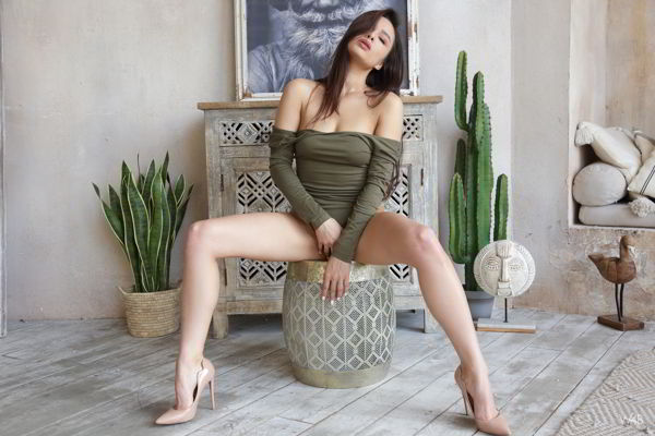 Astrid - Alluring - watch4beauty promo code