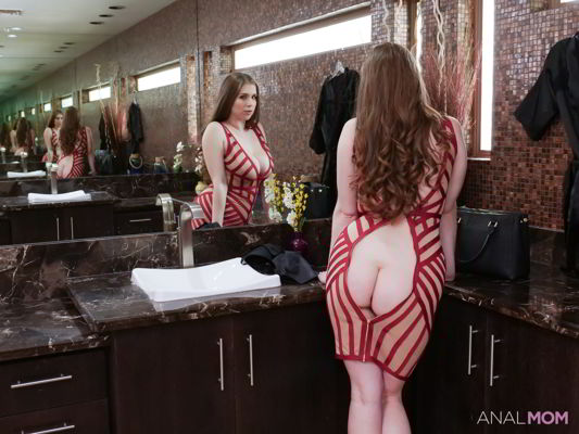 Alex Chance - Stretch It Out - Analmom HD video